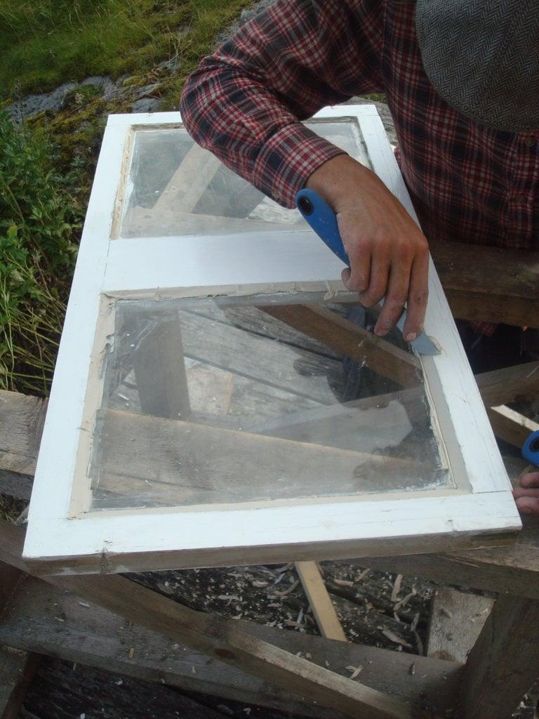restaurering og kitting av vindusramme